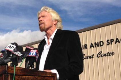 Tỉ phú Richard Branson quyết tìm ra nguyên do làm tàu không gian bị rơi