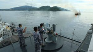 141205134525_indonesia_shooting_viet_boats_512x288_afp