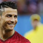 Cristiano Ronaldo nhận nhiều giải thưởng