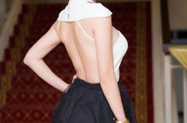 """Sao Việt Xoáy hàng Fashion """"Hở"""""""