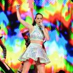 """Katy Perry biến sân khấu Super Bowl thành """"sở thú"""" ?"""