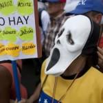 Venezuela hạn chế lượng hàng người dân mua