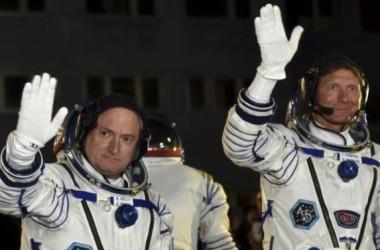 Phi hành gia Nga, Mỹ ở lại Trạm Không gian lâu nhất!