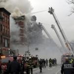 Nổ sập 2 chung cư New York, 12 người bị thương
