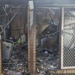 Cháy nhà ở Sunshine 4 Mẹ con may mắn thoát chết