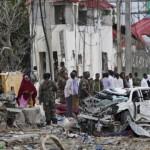 Taliban đánh bom đẫm máu 50 người chết ở Afghanistan