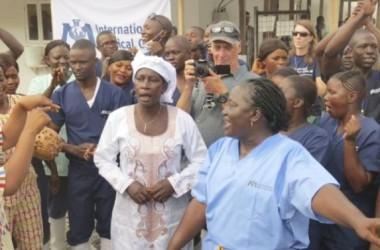 Sierra Leone cho bệnh nhân Ebola cuối cùng xuất viện