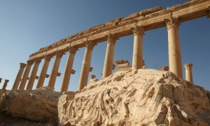 Columns are pictured in the historical city of Palmyra, May 13, 2010. Picture taken May 13, 2010. REUTERS/Mohamed Azakir