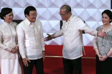 Việt Nam – Philippines 'gác tranh chấp, chống Trung Quốc'?