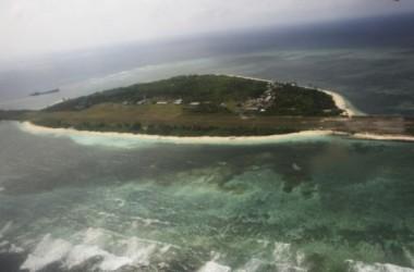 Người biểu tình Philippines đổ ra đảo tranh chấp với Trung Quốc