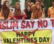 Indonesia cấm Valentine giới trẻ phản kháng