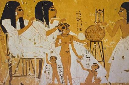 Tục cổ đại hiến trinh tiết thiếu nữ cho trâu- cho ba chồng – cho thầy tế