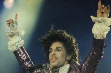 Hoàng tử nhạc POP Prince qua đời