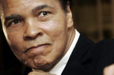 Huyền thoại Boxing Muhammad Ali qua đời tuổi 74