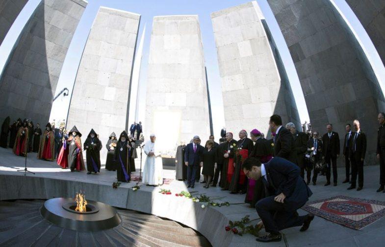 Đức Giáo Hoàng đến thăm đài tưởng niệm Diệt chủng Armenia