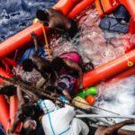 Thuyền chở di dân lật ở Địa Trung Hải hơn 300 người gặp nạn và chết
