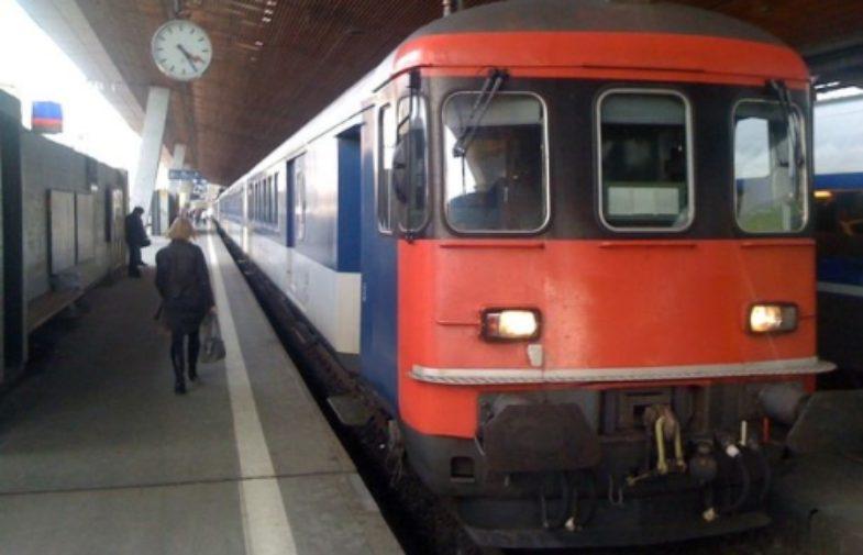 6 Người bị  thương vì phóng hỏa, đâm dao trên tàu Thụy Sĩ