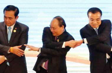 Thủ Tướng Nguyễn Xuân Phúc: Nếu xa rời Đảng, quân đội mất phương hướng