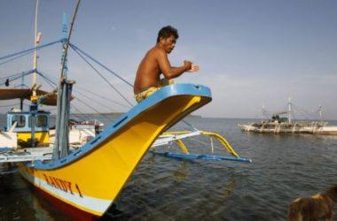 Ngư dân Philippines chỉ trích quyết định của Tổng thống Duterte