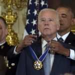 Phó Tổng Thống Joe Biden được tặng Huân Chương Tự Do