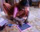 """Ấn Độ: """"Thượng Đế Ơi, Con Đã Biết Viết Tên Mình"""" – Khi Người Già Làng Phangne Đi Học"""