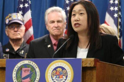 Dân biểu liên bang Alan Lowenthal lên tiếng ủng hộ TNS Janet Nguyễn