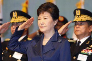 Cựu Tổng Thống Hàn Quốc Park Geun-Hye bị thẩm vấn 14 giờ