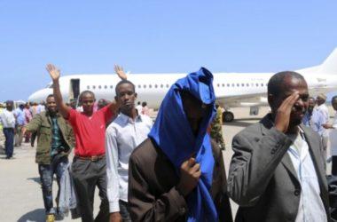 Hoa Kỳ trục xuất 68 người Somali