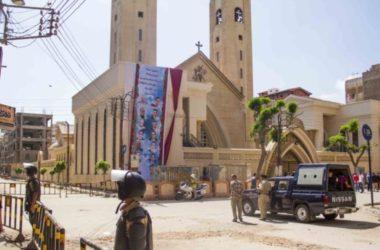Tòa án binh Ai Cập xử 48 kẻ đánh bom