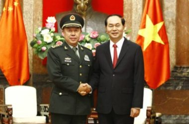 Tướng Trung Quốc Phạm Trường Long tháp tùng Chủ tịch Tập đi Hong Kong