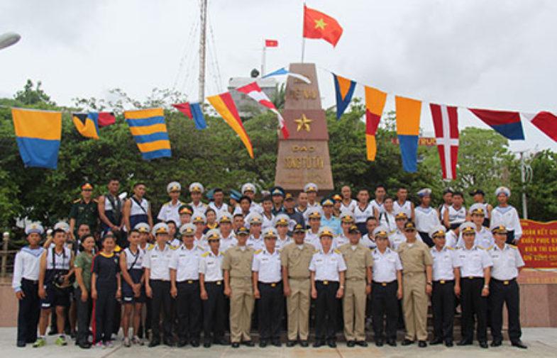 Hải quân Việt-Phi đấu giao hữu ở Song Tử Tây