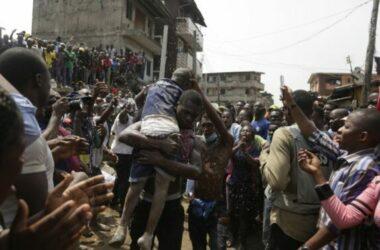 Nigeria: Sập cao ốc, hàng trăm người bị kẹt