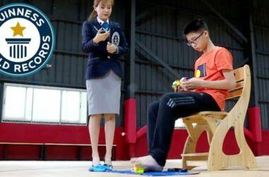 Giải Rubik bằng chân nhanh nhất thế giới