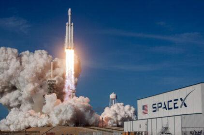 Space X phóng thành công tên lửa