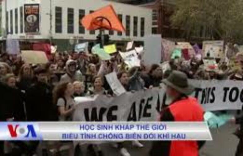 Học sinh thế giới biểu tình chống biến đổi khí hậu