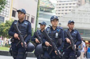 4 Thiếu niên Singapore giả cảnh sát để trộm tiền