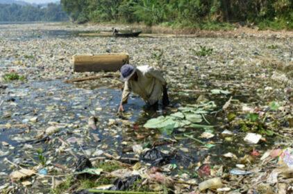 Indonesia gửi trả hơn 200 tấn rác thải cho Úc