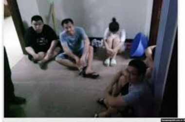Việt Nam bắt 5 người Trung Quốc kích sóng di động