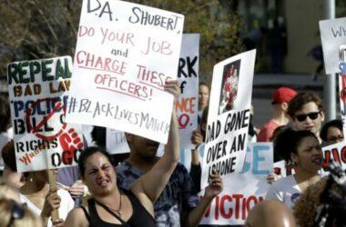 Cảnh sát Mỹ bắn chết oan người da màu, bị  đền 2,4 triệu USD