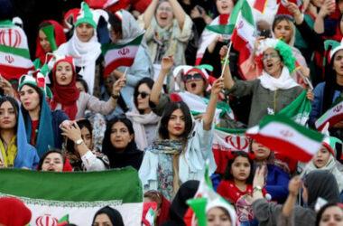 Phụ nữ Iran lần đầu tiên được đi xem bóng đá