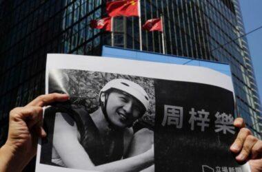 Người biểu tình khắp Hong Kong thương tiếc sinh viên tử vong