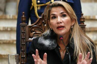 Bolivia đuổi bác sĩ Cuba, nhà ngoại giao Venezuela về nước