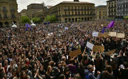Người Tây Ban Nha tức giận vì 5 kẻ thoát tội hiếp dâm tập thể