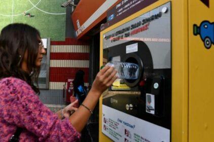 Roma: Đổi chai nước lấy một vé tầu điện miễn phí