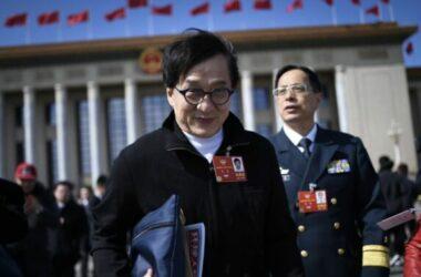Thành Long hủy thăm VN vì bị phản đối liên quan đến Biển Đông