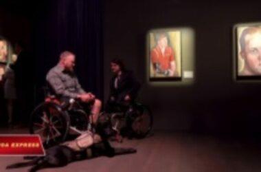 Tổng thống George W. Bush tri ân cựu chiến binh bằng cách vẻ chân dung