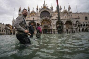 Thủy triều cao kỷ lục, đe dọa kho tàng nghệ thuật Venice