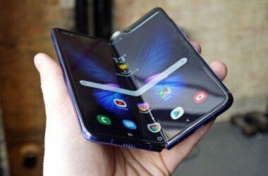 Mẫu điện thoại hai màn hình sắp ra mắt