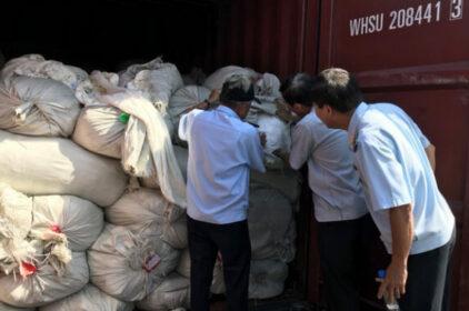 VN bắt 3 containers hàng TQ gắn nhãn Việt để xuất sang Mỹ