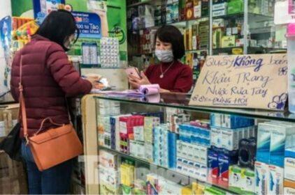 nCoV-VN: Người từ Trung Quốc vào Móng Cái dừng bán khẩu trang gây bất bình
